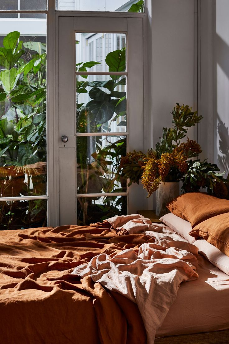 bedlinen in earthy tones